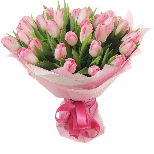 Букет из 25 тюльпанов розового цвета в фетре