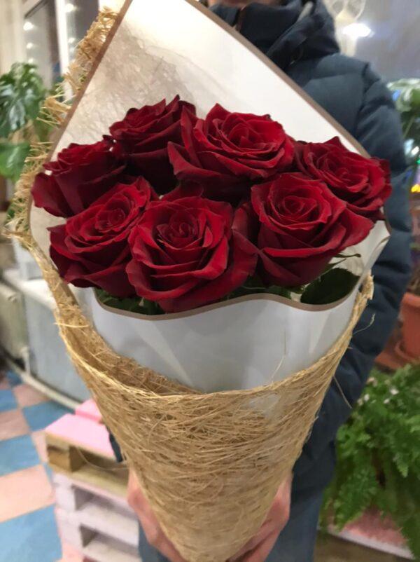 Фото классического букета роз