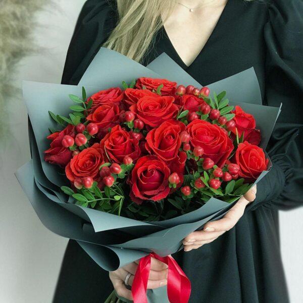 Фото букета из красных роз