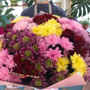 Фото букета из 25 хризантем